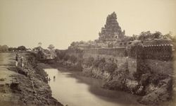 The ramparts of Tanjore with outer gopuram of the Pagoda.
